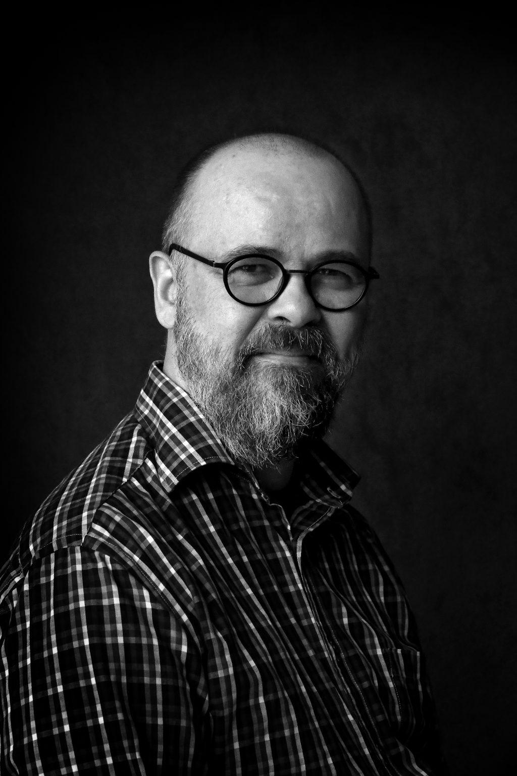 näyttelijä Perttu Hallikainen
