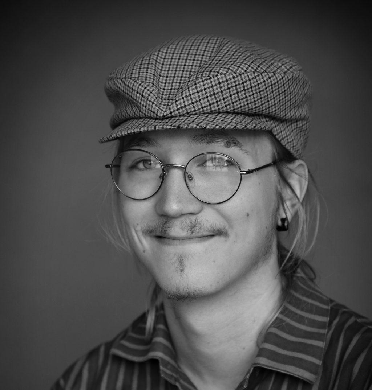 muusikko (vier.) Ukko Hyvönen